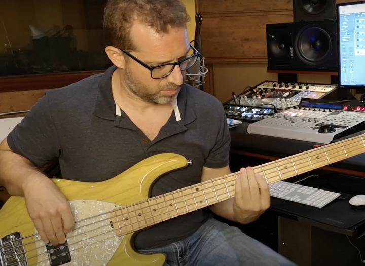 Record Electric Bass with High End Preamps and Basses