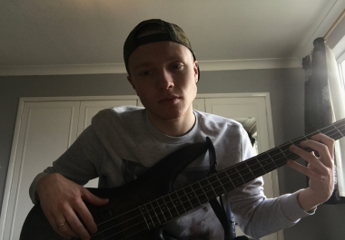 Bass player, record pro bass lines for your tracks