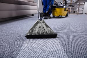 Steam Cleaning vs Dry Cleaning Carpet