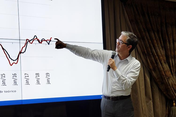 Economia pode surpreender positivamente, avalia consultor da LCA