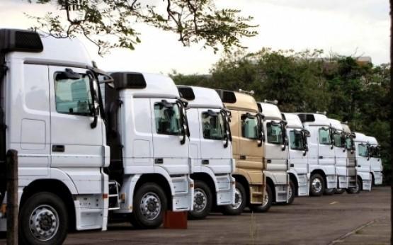Venda de caminhões deve superar 102 mil unidades este ano
