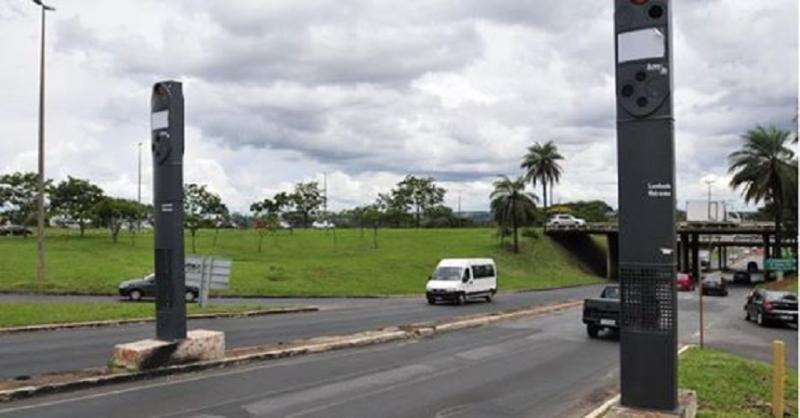 Jair Bolsonaro anuncia o fim das barreiras eletrônicas nas estradas