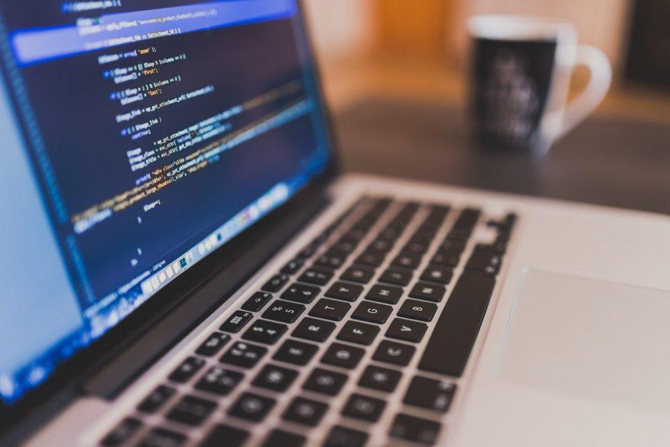 softwares para gestão de escolas