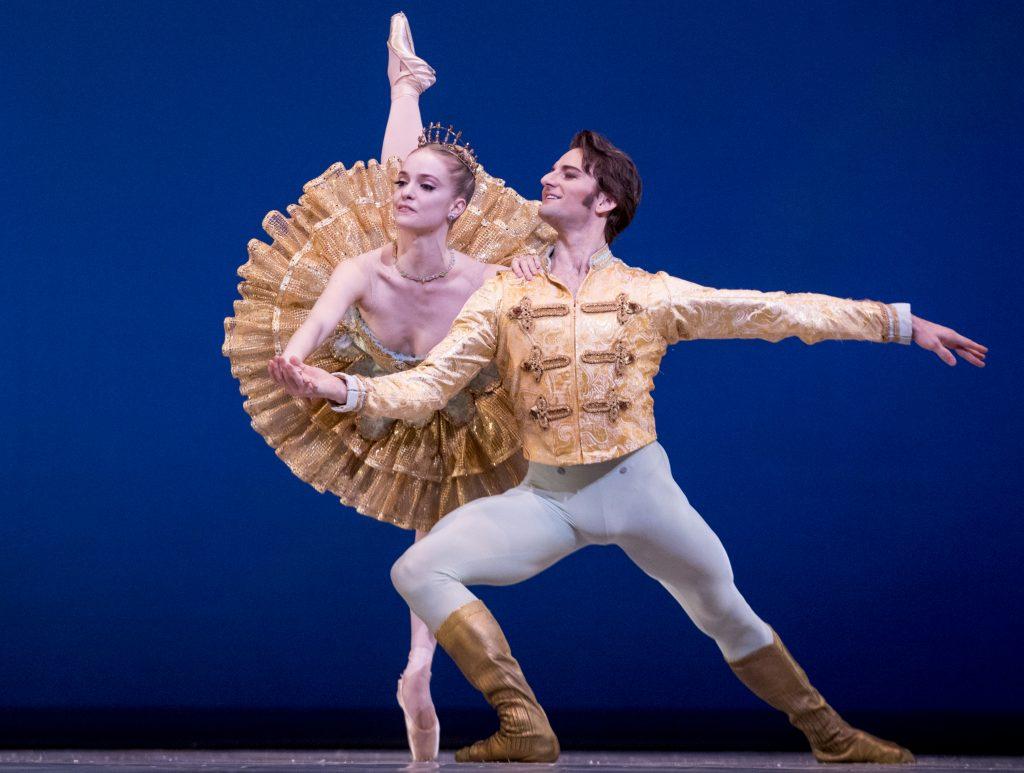 """e646abf745dd Sasha De Sola and Aaron Robison perform the Grand Pas de Deux as they run  through a final dress rehearsal for San Francisco's Ballet's """"Nutcracker""""  at the ..."""