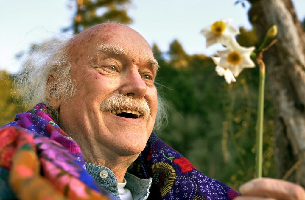 Ram Dass talks about 'Becoming Nobody,' the documentary on his spiritual  journey | Datebook