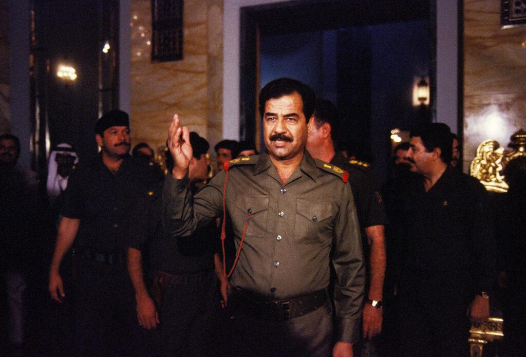 Saddam hussein é outra figura muito conhecida, ditador do iraque preso e executado há alguns anos