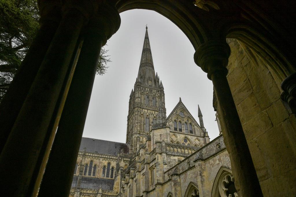 The Church of England lifts ban on medical marijuana