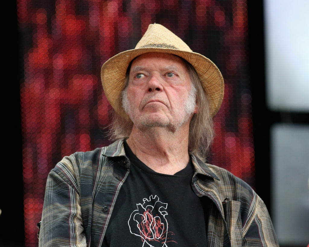 Neil Young must pass U.S. marijuana test to vote in 2020, he says