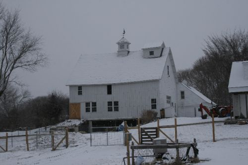 The barn from the back / field