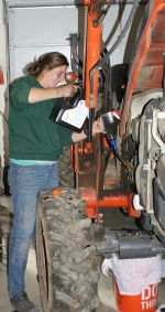Apprentice Amy gets maint. training