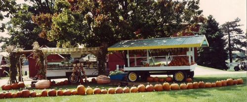 The orignal stand, which was only two small wagons. This is its last year in 1991.