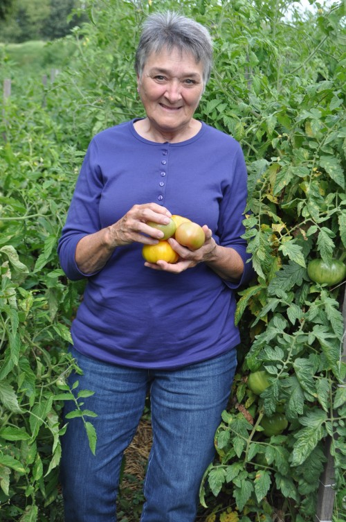 Becky w/heirloom tomatoes in tall toms