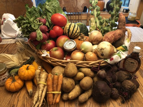 CSA Week 17: Honey, Syrup, Raspberry Jam, Mini Pumpkins, Gourd, Parsnips, Carrots, Potatoes, Onions, Beets, Sweet Dumpling Squash, Buttercup Squash, Pie Pumpkin, Fireside Apples, Brussels Sprouts, Radishes, Sweet Potatoes, Fennel, Lettuce, Popcorn, and Slicing Tomatoes