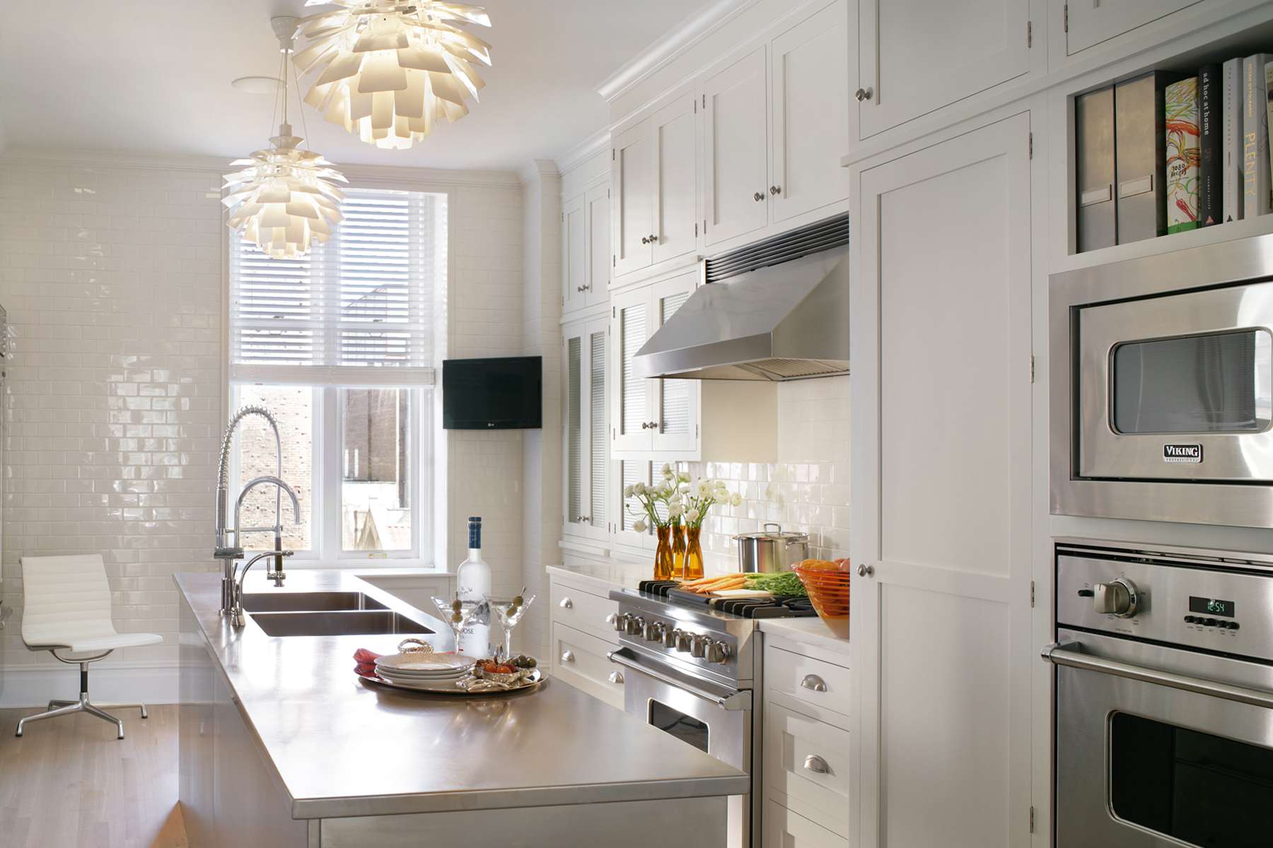 Transitional Kitchen Design | Bilotta, NY