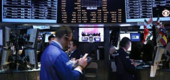 US stocks little changed on mixed merger news