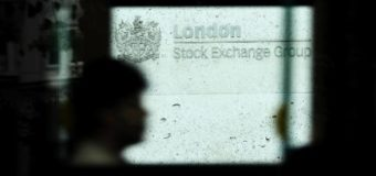 European stocks rise as<br /> London reopens after break