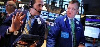 Wall St. gains on Apple; S&P up for fourth straight day