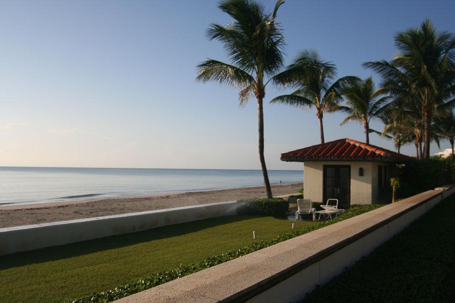 Ocean view on Palm Beach Island.