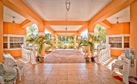 Heron House of Largo - Outdoor Patio
