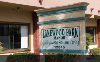Lakewood Park Manor - Exterior