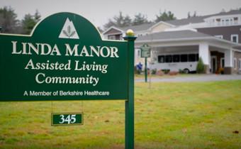 Linda Manor - Exterior