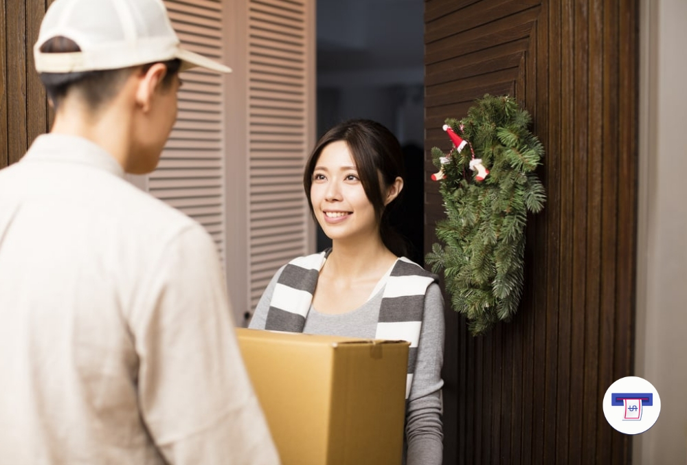 amazon free christmas prime shipping, flex delivery and hiring thousands of drivers to deliver packages this holiday season