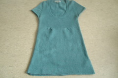 Myydään: Knitwear mini dress short sleeves fits size s or 34-36
