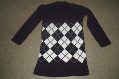 Myydään: long diamond pattern spandexy sweater size S/M