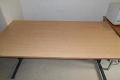 Selling: Table (pöytä)