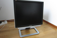"Selling: Viewsonic 17"" TFT monitor"
