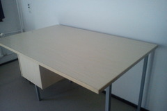 Selling: A 140*80 cm Wooden Desk
