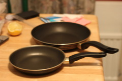 Selling: 2 frying pans