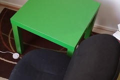 Myydään: Coffee table and office chair