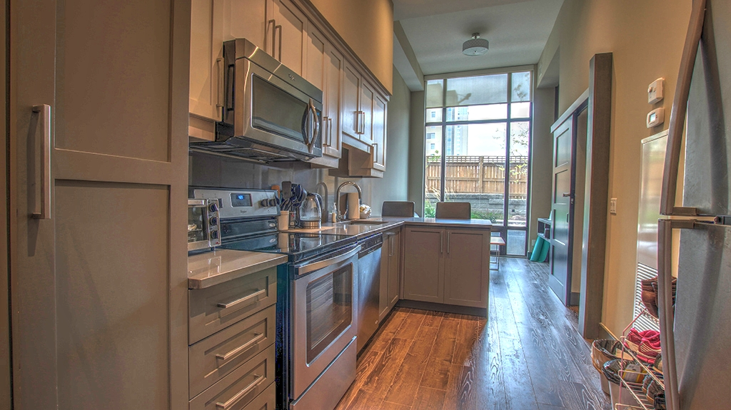 330-Phillip-St-Tower-1-Unit-116-Waterloo-02 - Shaw Realty Group