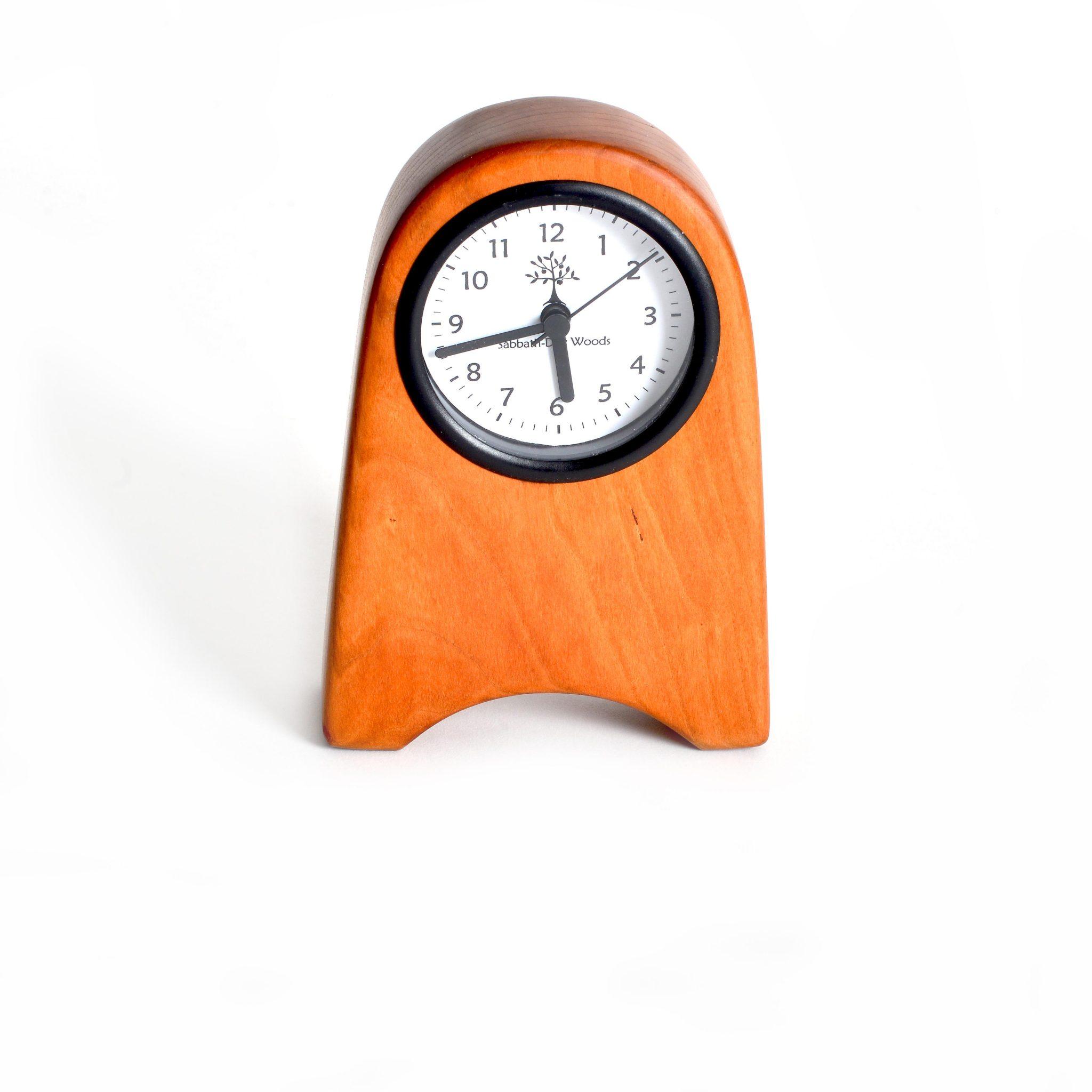 Rounded Shaker Clock