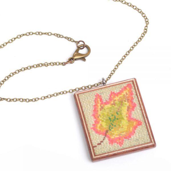 wood leaf necklace