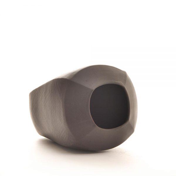 black minimalist vase