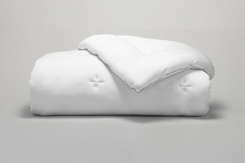 EXPERIENCE Down Alternative Comforter