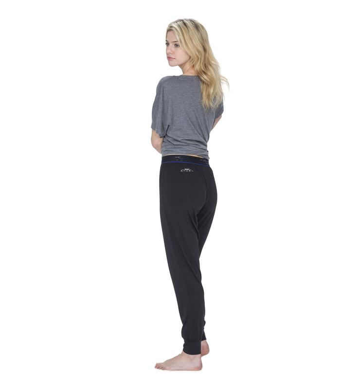 828 women jogger black back