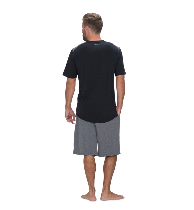 828 men shortsleeve vneck black back