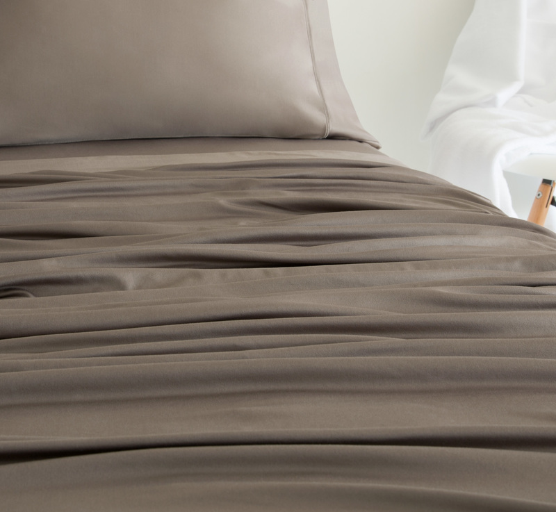 1142 taupe c2