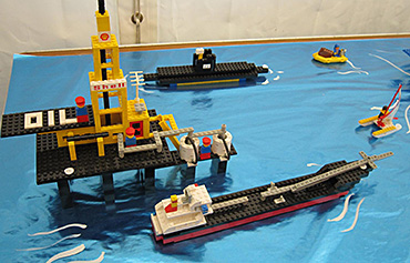 Lego-offshore-rig-237x370