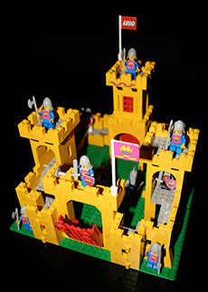 Yellow-Lego-Castle-323x230
