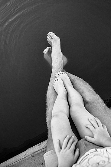 dad-legs-water-692305_1280-367x550