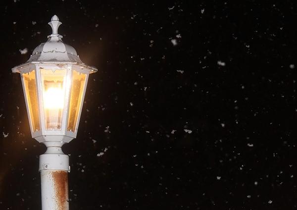 lamppost-1812682_1280-600x424