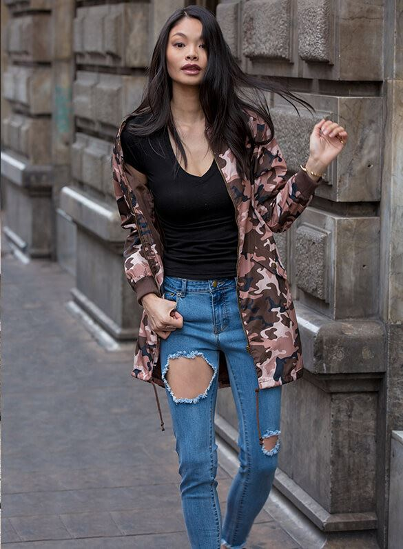 Why blend in when you were born to stand out? long camo jacket and distressed skinnies make the perfect relaxed yet edgy mix.