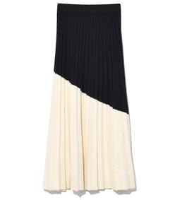 colorblocked pleated skirt in vanilla/black