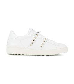 white rockstud sneaker