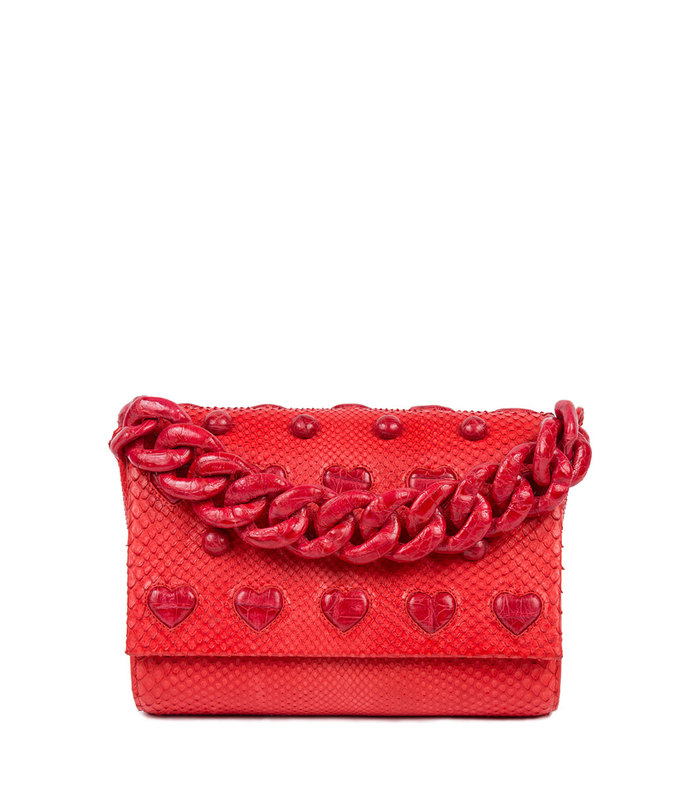 small heart carrie clutch