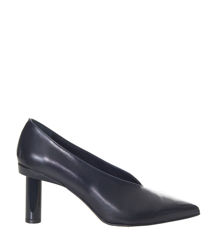 navy zuri pump